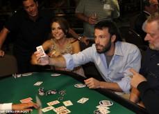 Ben Affleck surpris à compter les cartes au blackjack dans un casino de Vegas