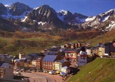 Andorre pourrait lancer son premier casino terrestre en 2015 et peut-être légaliser le poker en ligne