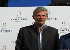 Barrière veut son club dans la capitale française