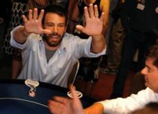 Ben Affleck revient sur les titres provocateurs des tabloïds et conteste l'appellation de joueur compulsif