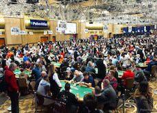 Des dizaines de milliers de personnes battent un record pour un tournoi de poker