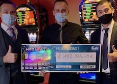 Casino du Lyon Vert : une joueuse mise 2 euros… et en remporte 2 millions !