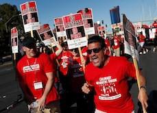 Las Vegas : les employés du Palms font un piquet de grève