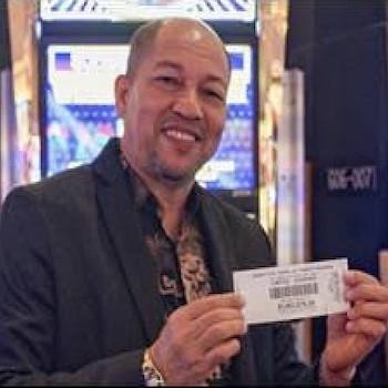 Il gagne un jackpot d'1$ million après avoir suivi les conseils d'un inconnu