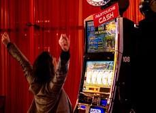Jeux de casino : sons et lumières incitent les joueurs à prendre des risques