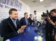 Tony G, joueur de poker, obtient un siège au Parlement Européen