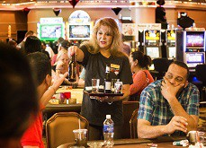 Les casinos de Vegas de plus en plus regardants sur l'alcool gratuit