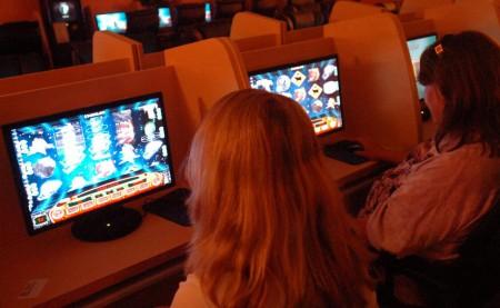 Un cybercafé illégal fermé par les autorités en Arizona