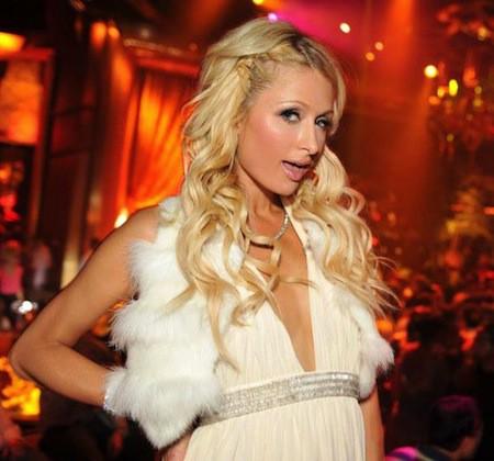 Paris Hilton joue et gagne au casino