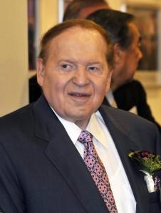 Adelson et d'autres fortunes paient des millions pour la campagne de Romney