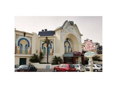 Casino de Saint-Aubin-sur-Mer facade